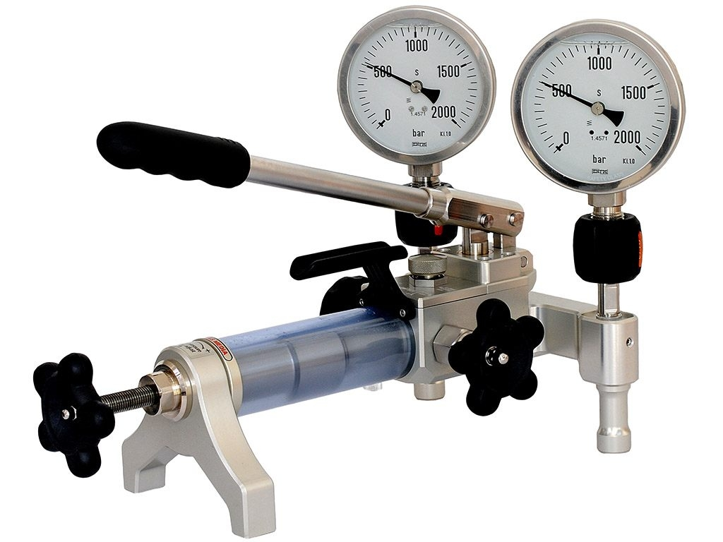 Hydraulic Gauge Pressure Test Pump Comparison ADT928